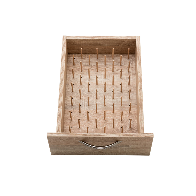 Der zusätzliche PIN-Boden gibt weiteren Platz für 48 Garne pro Schublade.