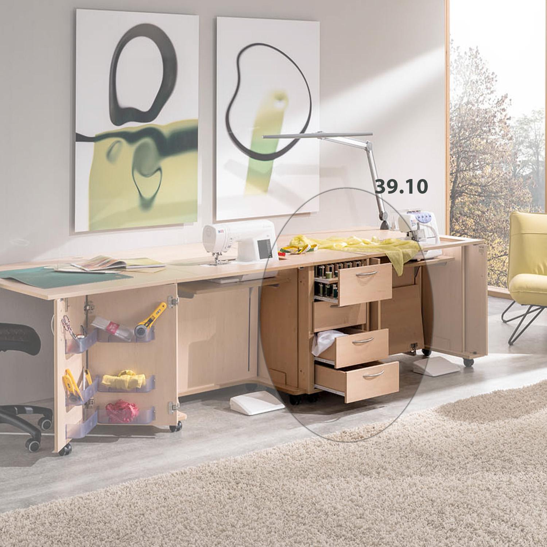 Die Kombination Athen besteht aus zwei Nähmöbeln und dem 4-Schubladen-Rollcontainer EXTEND.