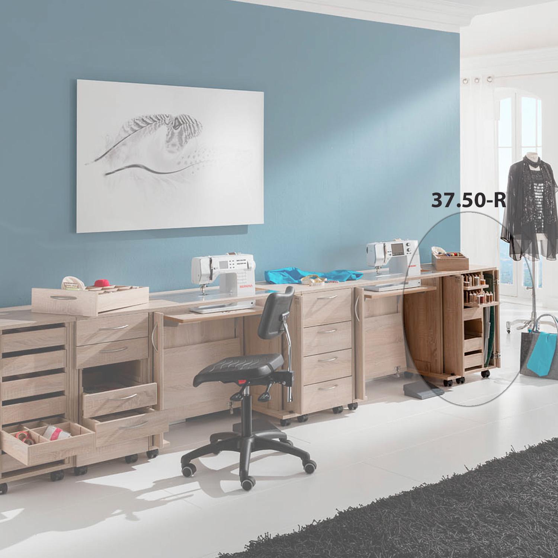 Viel Platz für die Nähmaschine bzw. Nähmascinen und Zubehör bietet die Möbelkombination Belgrad.