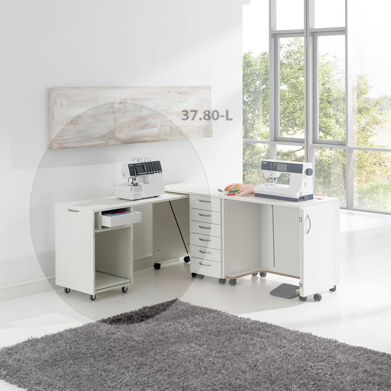 Die praktische Kombination besteht aus einem Auszugscontainer,  einem Schlubladenrollcontainer und dem BASE Nähmöbel mit Tür rechts.