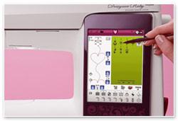 Husqvarna Viking Designer Ruby Royale Touchscreen