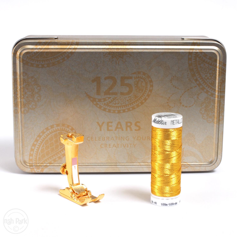 BERNINA Jubiläums-Box mit vergoldetem Nähfuß Nr. 1